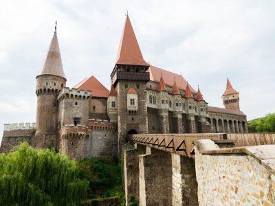 castle-2614030_1920