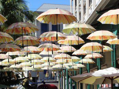 parasols-2393938_1920