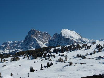 mountains-5698330_1920